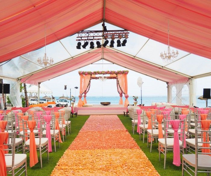 Mauritius wedding with absolutely stunning decor | Wedmegood