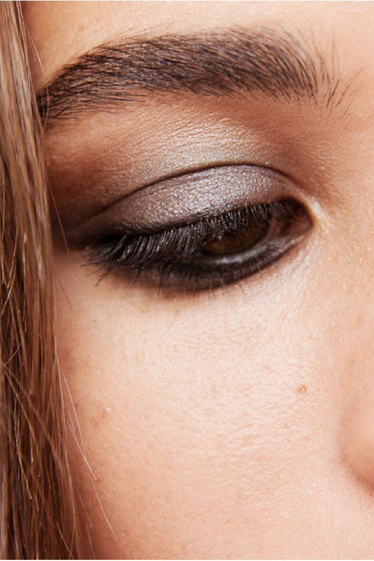 The step by step guide to creating a smoky eye from Burberry's Wendy Rowe