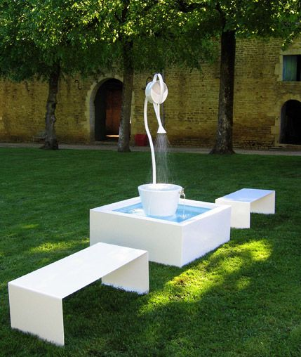 Fontaine Leopold avec bancs
