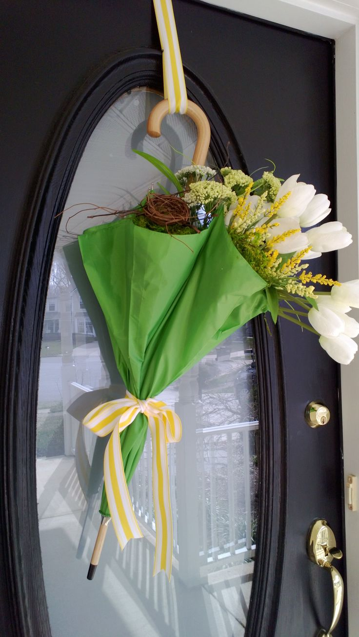 26 best easter wreaths and spring door decor images on Spring flower arrangements for front door