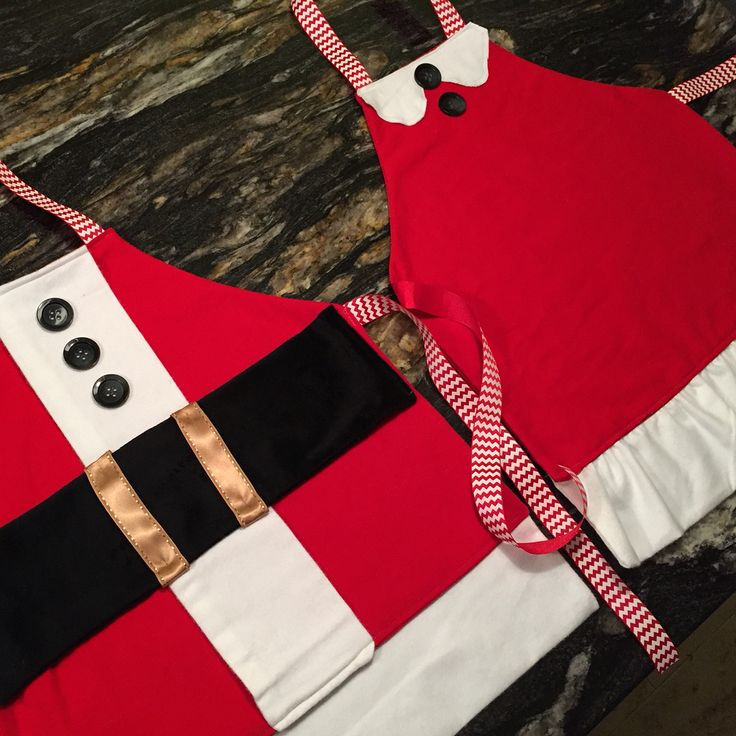 DIY kids aprons, Mr and Mrs Claus