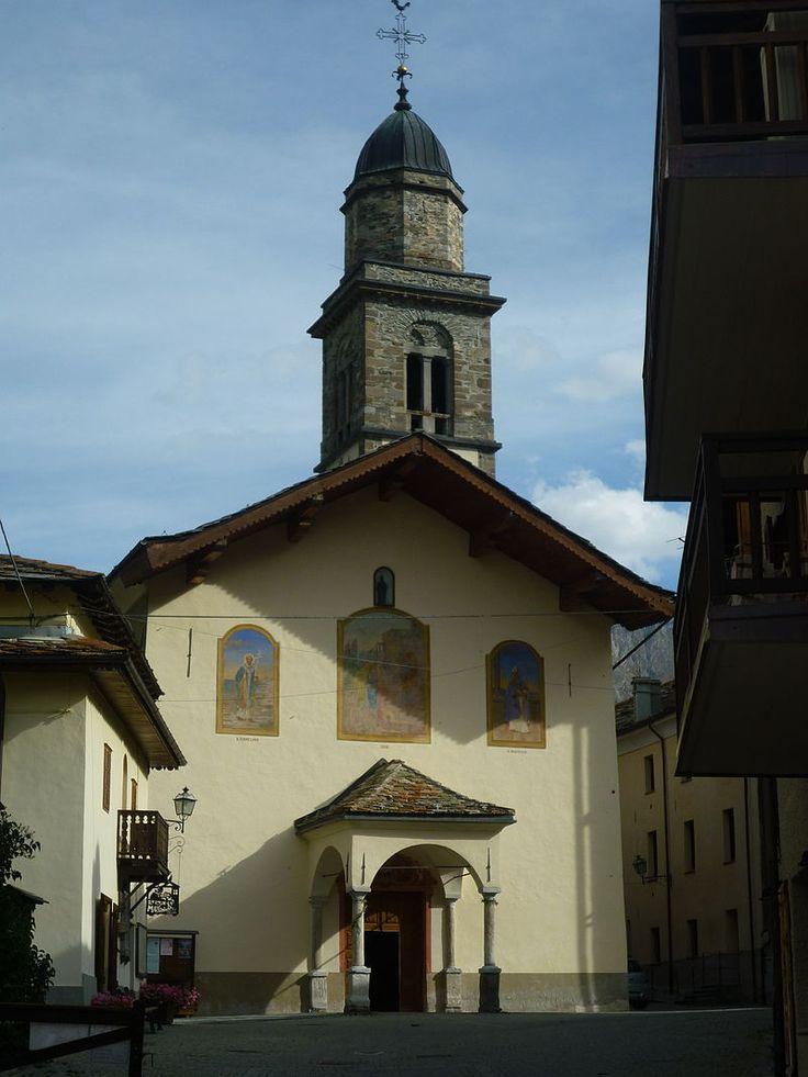 Cogne (Valle d'Aosta) - La chiesa parrocchiale dedicata a Sant'Orso