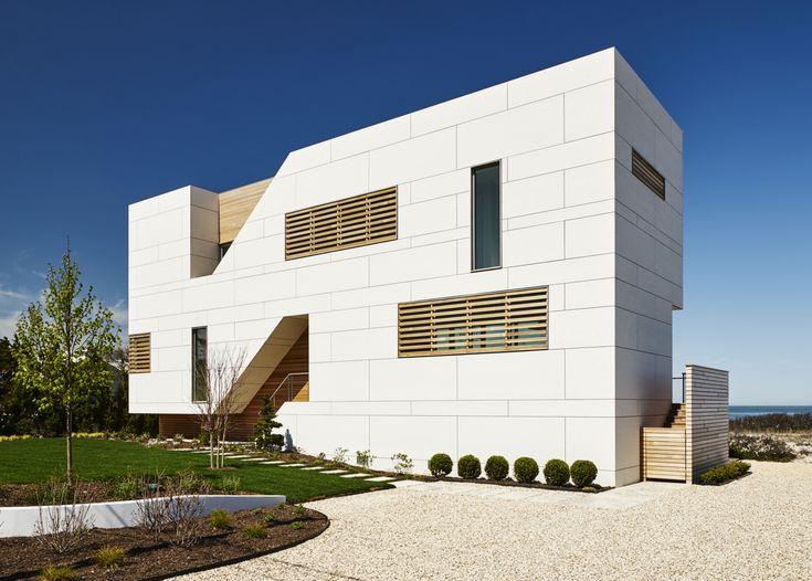 Beach Villa Long Island. Arch: Berg Design. EQUITONE [tectiva] TE00 facade panels. adress: 1725 North Sea drive, Southold, NY 11971