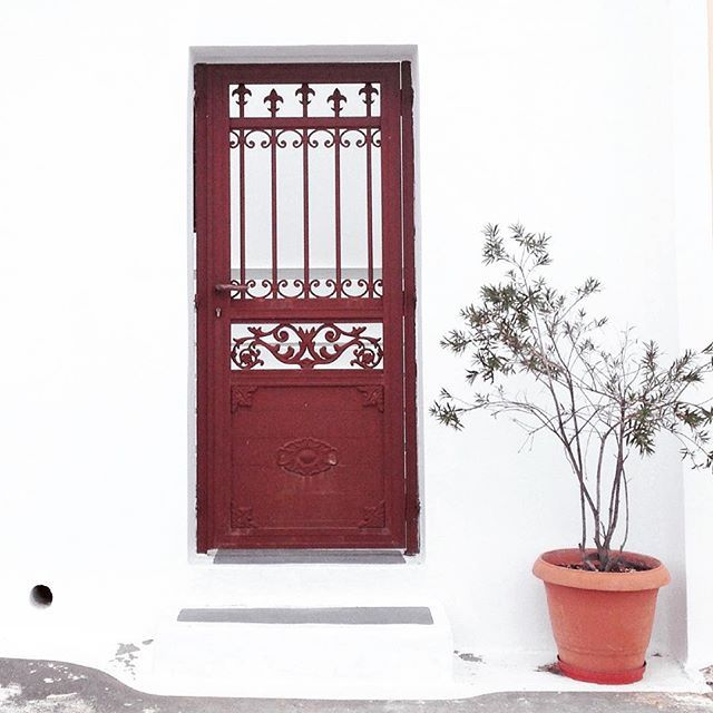 #Artistic shot! #Santorini #architecture #Fira Photo credits: @zh.harry
