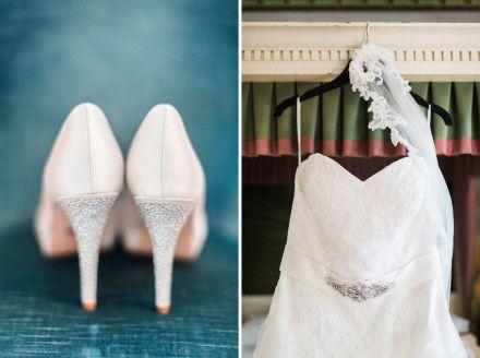 Fotograf Jenny Blad lovely weddingdetails - dress and shoes