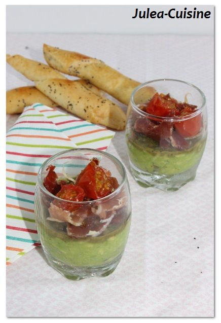 Verrine avocat, jambon cru et tomates roties