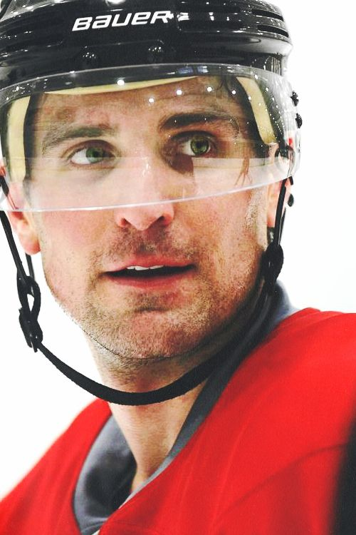 Patrick Sharp Chicago Blackhawks #10 the hockey husband :)