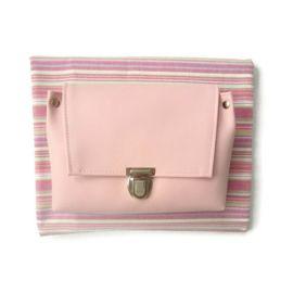 Voor de roze pastel liefhebber is dit een klein tasje met een hoog heb gehalte. De roze kleur zal zeker een prachtige plaatje zijn met alle ander zachte kleuren.