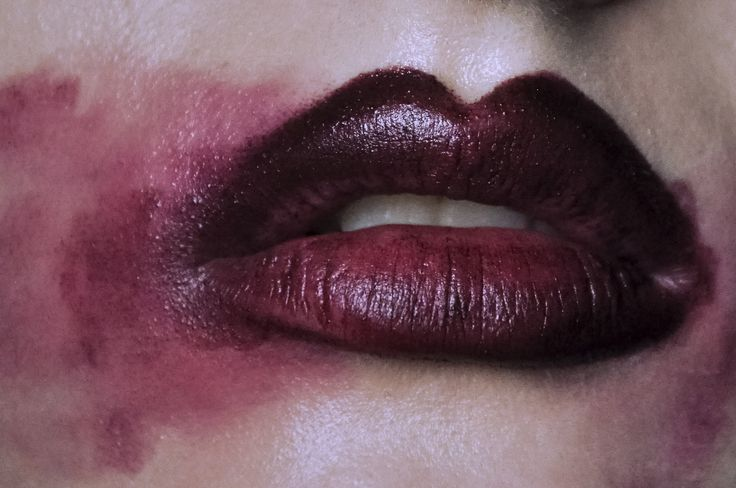 New story on The Style Con about faking bigger lips, inspired by Kylie Jenner and Marilyn Manson. I even tried that freaky lip suction method and it bruised the hell out of my lips, go seeee.