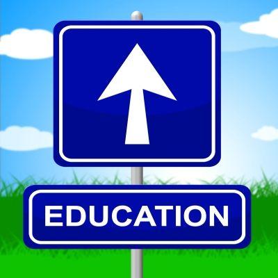 Vzdelanie je niečo ako pohon.. Prestanete sa vzdelávať, upadáte. Vzdelávať sa môžeme samozrejme aj mimo školy, kde sa paradoxne najviac učíme.. Vo firme je to dosť náročné, najmä na jazyky.. Našťastie nám šéf platí firemné kurzy anglického jazyka http://www.bilingvi.sk/anglictina-pre-firmy a práve to pokladám za veľmi dôležité vzdelanie.. Predsa, koľko jazykov ovládame, toľkokrát sme človekom :)
