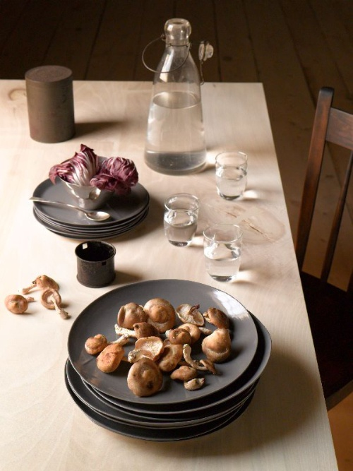 Recent pottery shoot for Davistudio pottery   @johngruen, photographer @astylistslife, stylist #dining, #food #gray #pottery