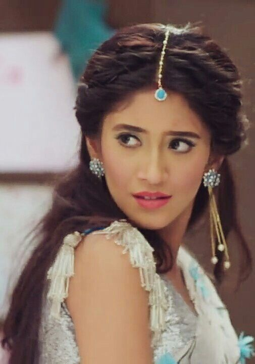 20 Best Shivangi Joshi Rare And Unseen Images Pictures