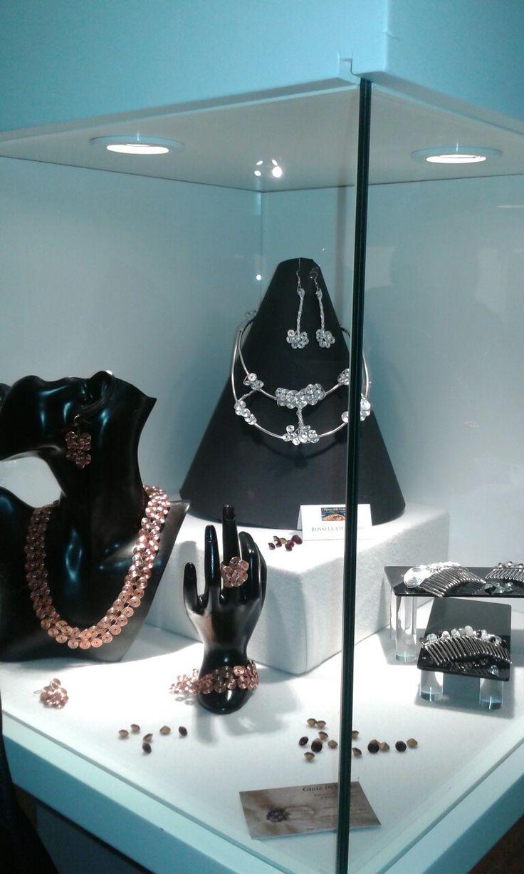 Gioie in Wire.  Esposizione presso il Museo del Bijou di Casalmaggiore  (Italia)