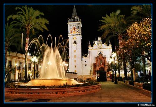 La plaza con la Iglesia más bonita del mundo, en La Palma del Condado