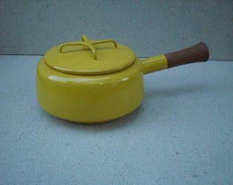 Vintage cacerola amarillo mostaza de Dansk Kobenstyle, Jens Quistgaard, Dansk, Made in Francia, utensilios de cocina moderno danés, Jens Quistgaard cookware.