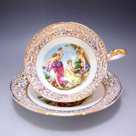 エインズレイ社のカップ&ソーサーです。女神さまと可愛らしいキューピッドが恋人たちを見守っています。周りは22金のギルディングがほどこされています。       ⇩ http://eikokuantiques.com/?pid=98651336   #アンティーク #イギリス #英国 #アンティークカップ #英国アンティークス #エインズレイ