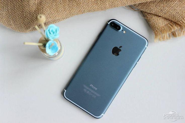 Первые фото iPhone 7 Plus в цвете Deep Blue
