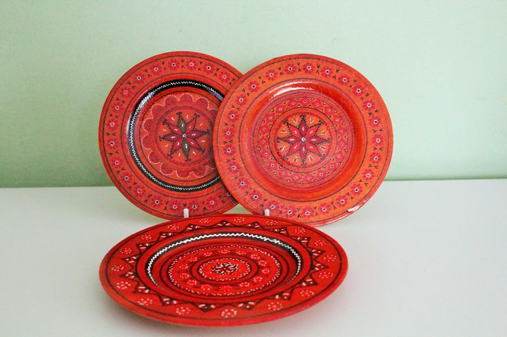 Set of 3 Wooden Plates, Red Painted Wood Plates Set, Small Decorative Plates by Grandchildattic on Etsy