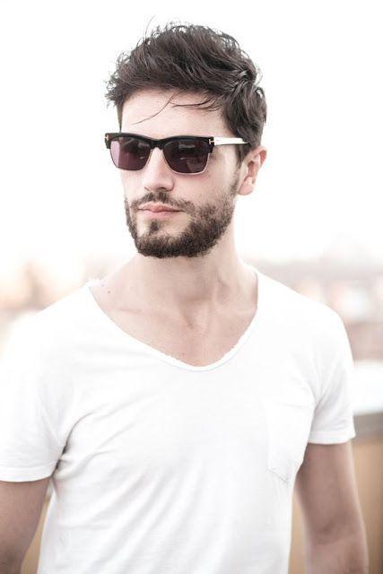 Macho Moda - Blog de Moda Masculina: Os Óculos Masculinos que estão em alta pra 2016, moda masculina, óculos de sol, óculos escuro, moda para homens, óculos com lente transparente, camiseta gola canoa, camiseta lisa branca