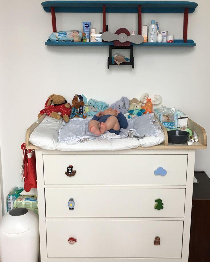 hemnes kommode mit wickelaufsatz und individuellen m belkn pfen ikea pimp up kallax. Black Bedroom Furniture Sets. Home Design Ideas