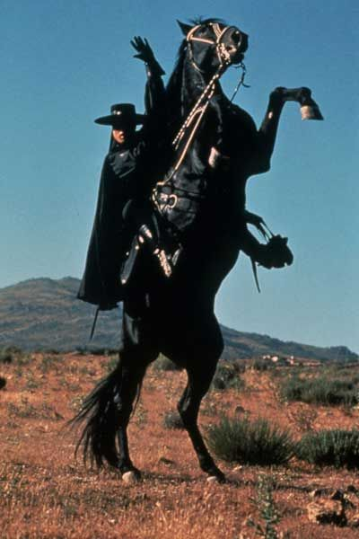 """Guy-Williams-as-Zorro. """"Out of the night .. when the full moon is briiight... comes a horseman know as ZORRO !!!!"""""""