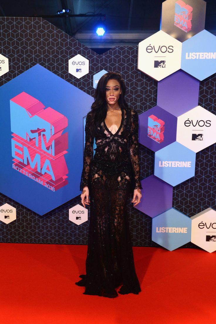 Looks das famosas no MTV EMA's
