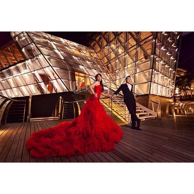 Congratulation on your wedding  @fernando_rusli_setiawan @chatrinthung .  Photo : @andy_chandra @iclickphotograph  Gown : @sokowiyanto  Makeup : @rainmakeup .  #iclickphotographbeauty  #iclickphotograph #prewedding #engagement #engagementphoto #wedding #weddingphotography #love  #singaporeprewedding #nightshootprewedding #edochatrinwedding