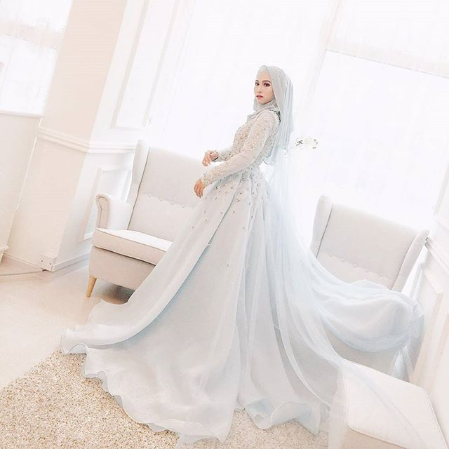 1000+ ideas about Hijab Wedding Dresses on Pinterest ...