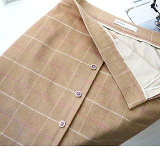 Милая юбочка из шерсти , украшена красивыми пуговицами. Для Ирины