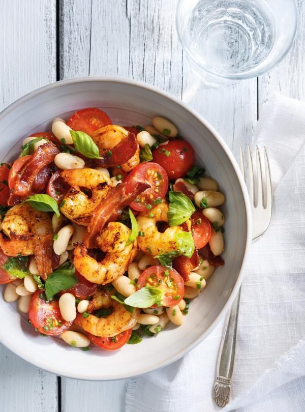 Salade de haricots blancs et de crevettes grillées #salad #shrimp #foodphotography