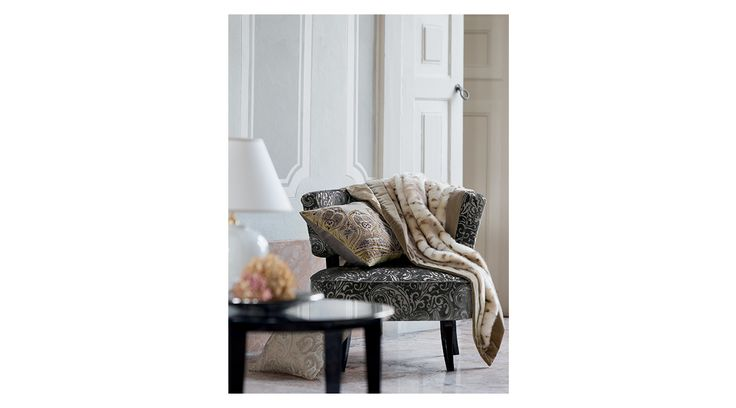 Etro Home Autumn/Winter 15/16 Collection. Available at Showroom MOOD. #mood #etrohome #etro #couder #luxury #beige