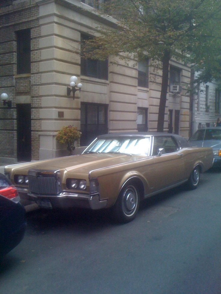 found on the streets of new york city 1969 lincoln continental found on the streets of new. Black Bedroom Furniture Sets. Home Design Ideas
