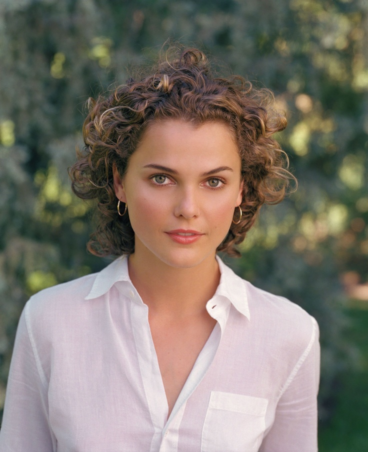 Keri Russell — Felicity era (hair style is a bit dated, but i still love her texture, and need to embrace mine as well)