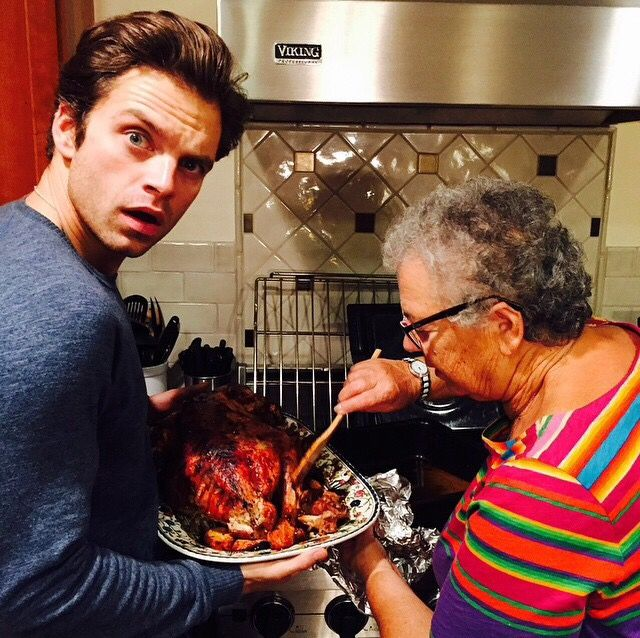 THIS MAN IS PERFECT!!!! Seb having Thanksgiving with family :)))) @imsebastianstan: Happy turkey!