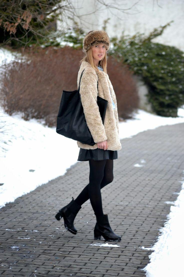 Style of Lucie Redlich: faux fur coat Stradivarius