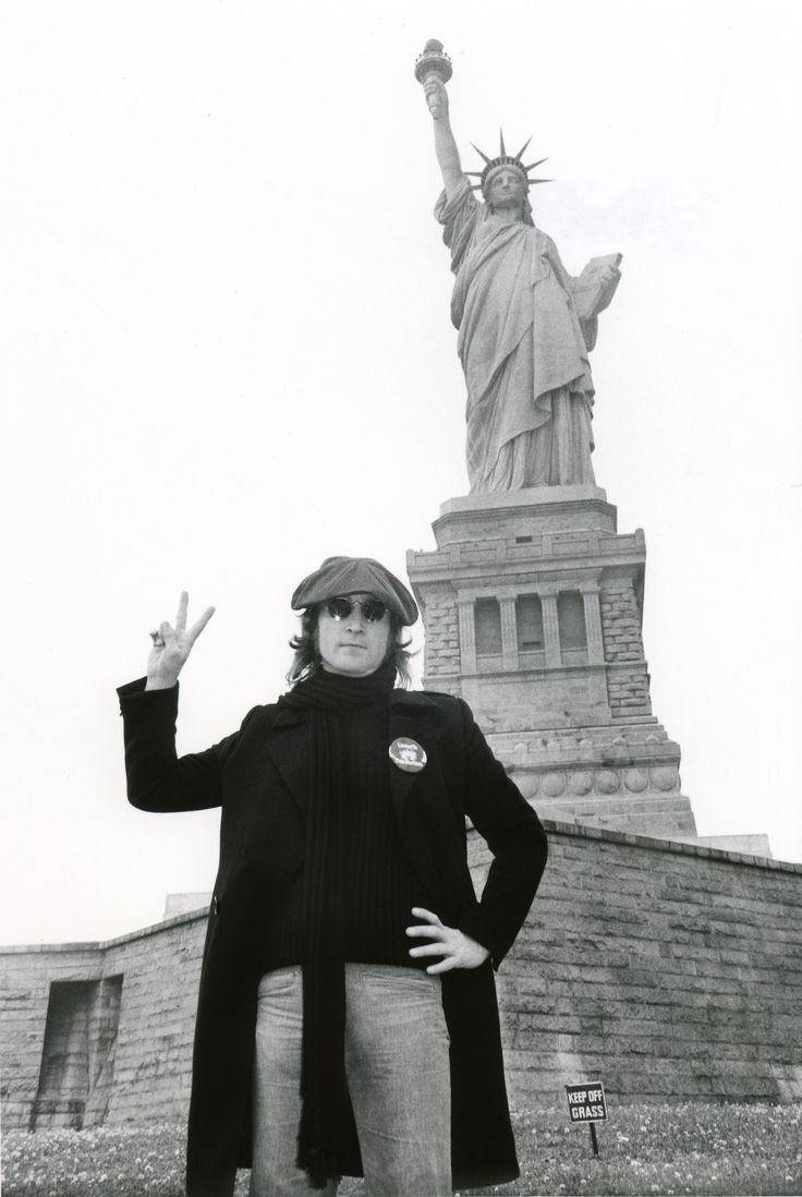 July 27, 1976 - John Lennon was awarded his Green Card