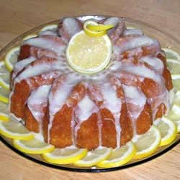 """Easy Lemon Cake 