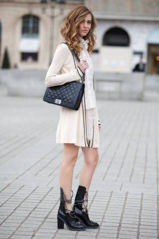 PARIS STREETSTYLE: This is how you save your heels on those stony streets without sacrificing style.