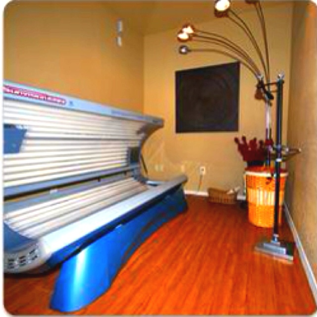 Tanning room you bet my someday house pinterest for 24 tanning salon