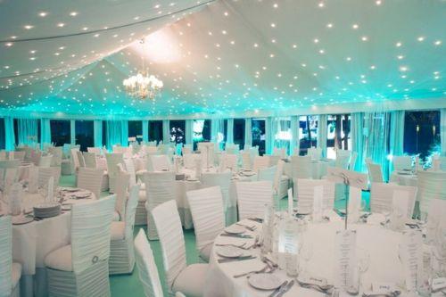 #Sternenhimmel als #Hochzeitsbeleuchtung in blauen Farben.
