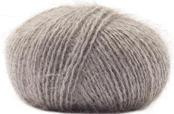 Laine Angora Absolu d'Anny Blatt coloris Caviar (100% angora) #angora #annyblatt #laine #wool #tricot #knit #rosemouton