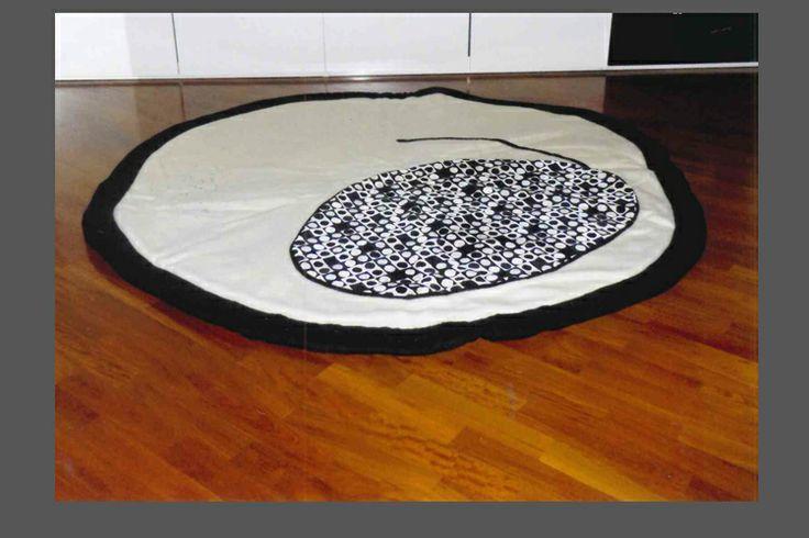 tappeto realizzato in tessuto da arredamento