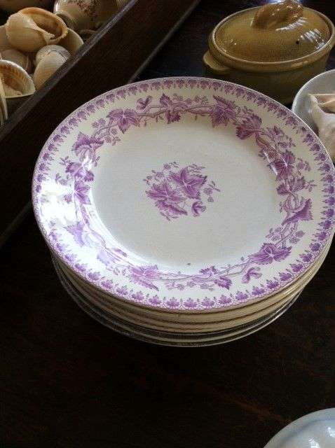 Decor Geranium van Société Ceramique. Is in diverse kleuren geproduceerd. Deze kleur vind ik zo bijzonder, I love it!!!!!