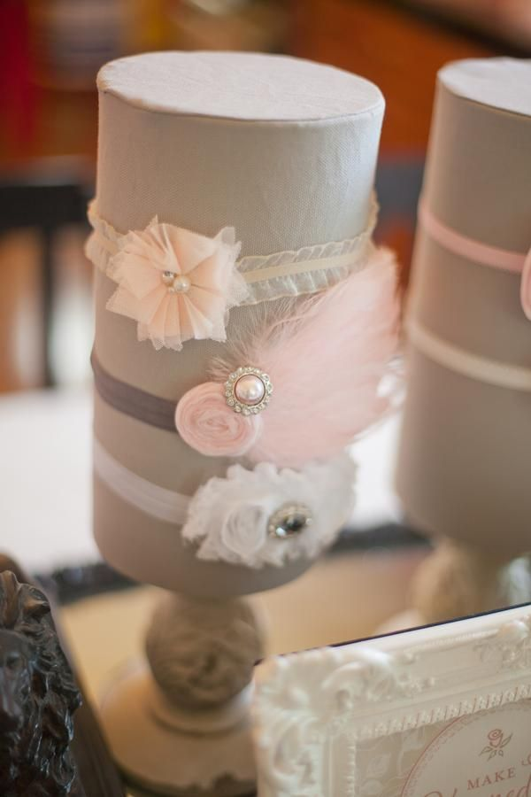 Headband holder. I love that pink feather headband. hairbow display