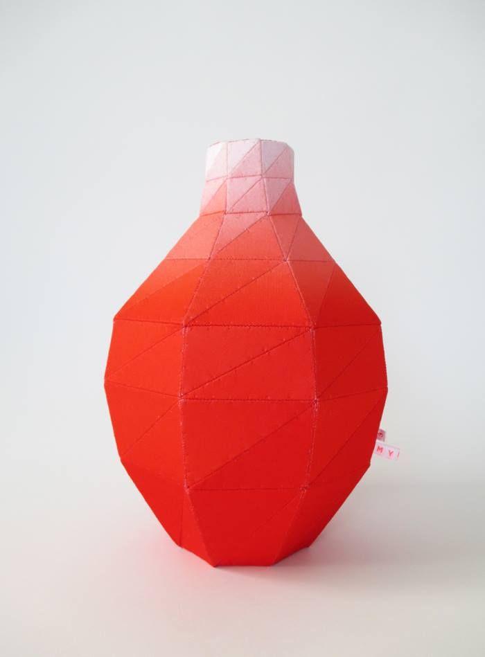 martine myrup - design - håndværk - kunst - vaser - stofvaser - dekoration - inspiration - bolig - indretning - nordiske riger - rød