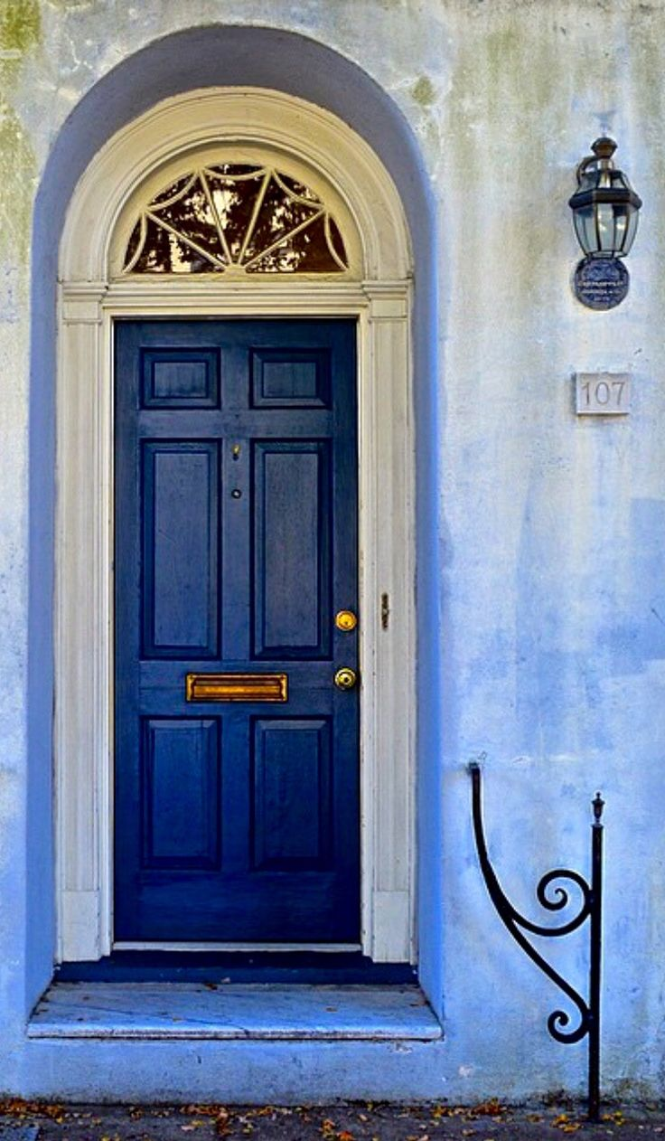 Charleston, South Carolina, blue and white a classic combination (metal and water).