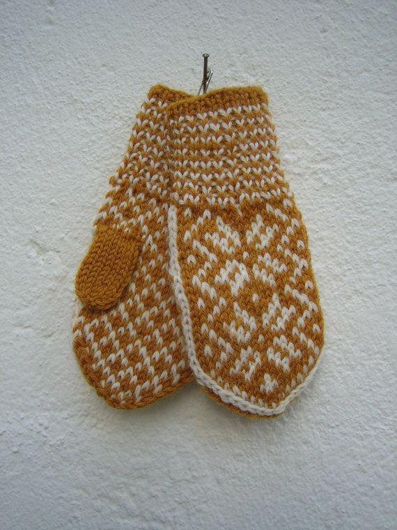 Handknitted norwegian mittens for children in mustard and white