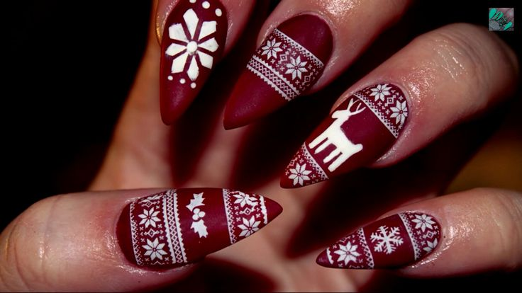 Cute Matte Christmas Sweater Stiletto Nails | I'm in love!