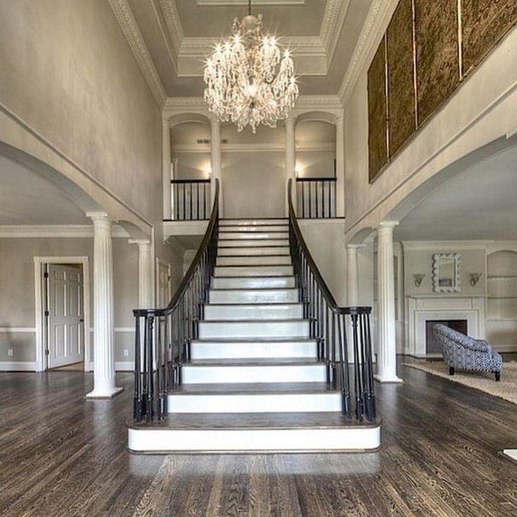 Фото двухэтажных домов внутри лестница по середине