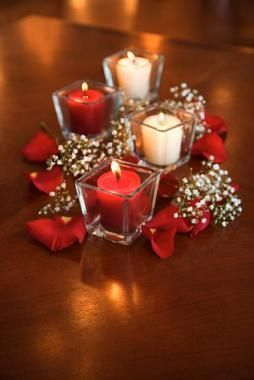 holiday centerpiece ideas | Dining Room Table Centerpiece Ideas #PANDORAvalentinescontest